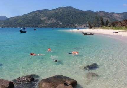 Dịp lễ hãy về với biển đảo Phú Yên