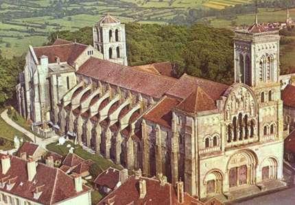 Du lịch Pháp tham quan Nhà thờ ở Vezelay