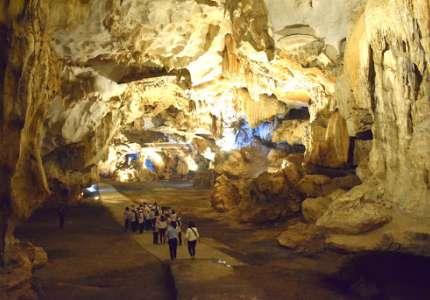 Khám phá hang động Vũng Đục Quảng Ninh