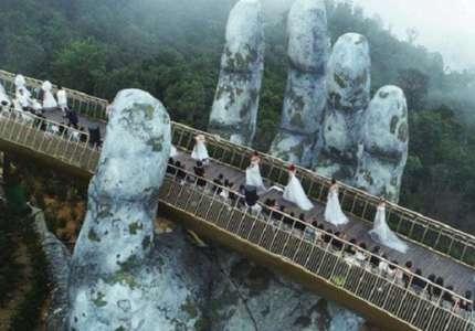 Cây cầu Bàn Tay điểm check in hot nhất tại Đà Nẵng