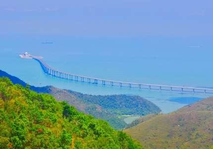 Trải nghiệm cây cầu vượt biển dài nhất thế giới