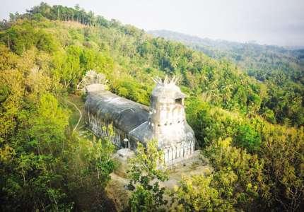 Kiến trúc độc đáo của Nhà Thờ Con Gà ở Indonesia