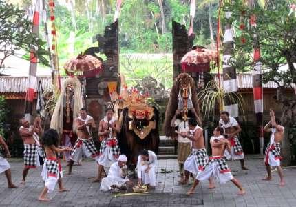 Những điệu múa cổ truyền chỉ có ở Barong Indonesia