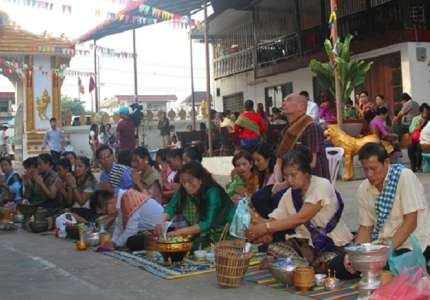 Du lịch Lào tham dự lễ Okphansa
