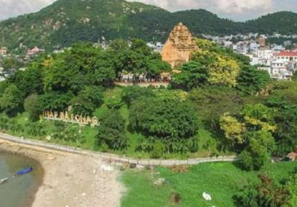 Tham quan tháp bà Ponagar Nha Trang
