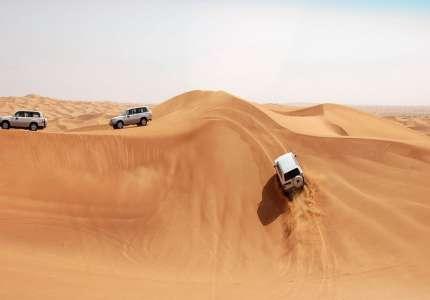 Đua xe trong sa mạc tại Dubai