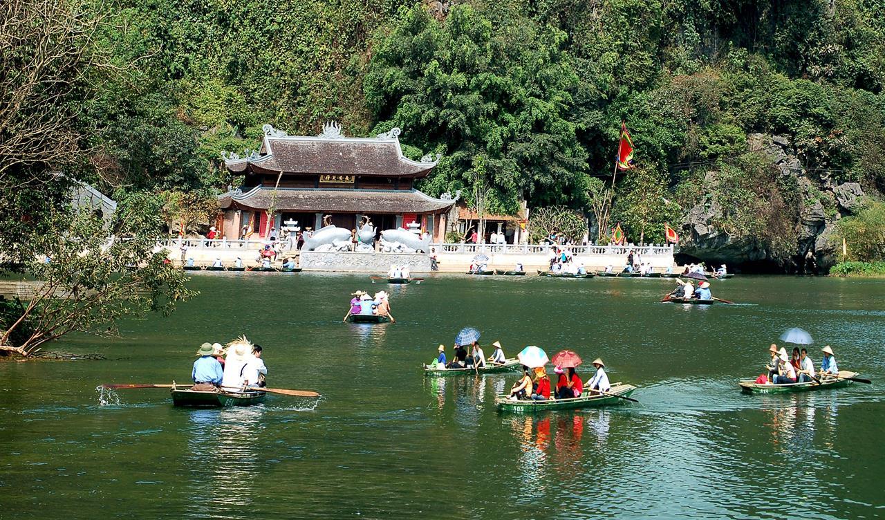 Tour Du Xuân Ninh Bình - Yên Tử- Hà Nội - Chùa Hương 5 Ngày 4 Đêm
