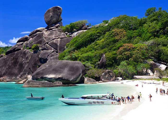 Du lịch Thái Lan khám phá biển PhuKet và Đảo Phi Phi