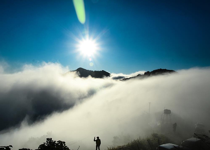 Tour Săn mây trên đỉnh Tà Xùa 2 ngày 1 đêm