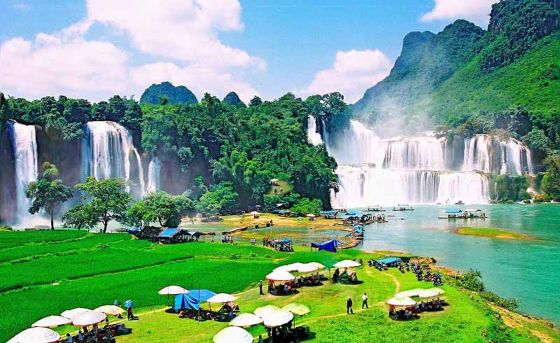 Tour Hồ Ba Bể -Thác Bản Giốc – Hang Pác Bó 3 Ngày 2 Đêm Tết 2020